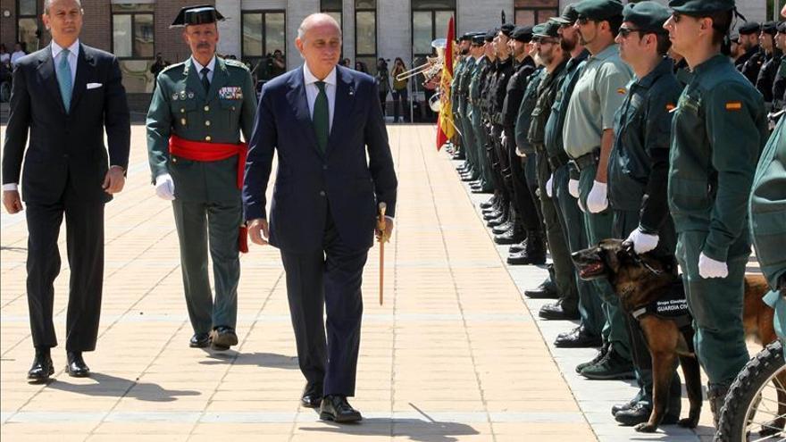 Fernández Díaz destaca el papel de la Guardia Civil en Cataluña