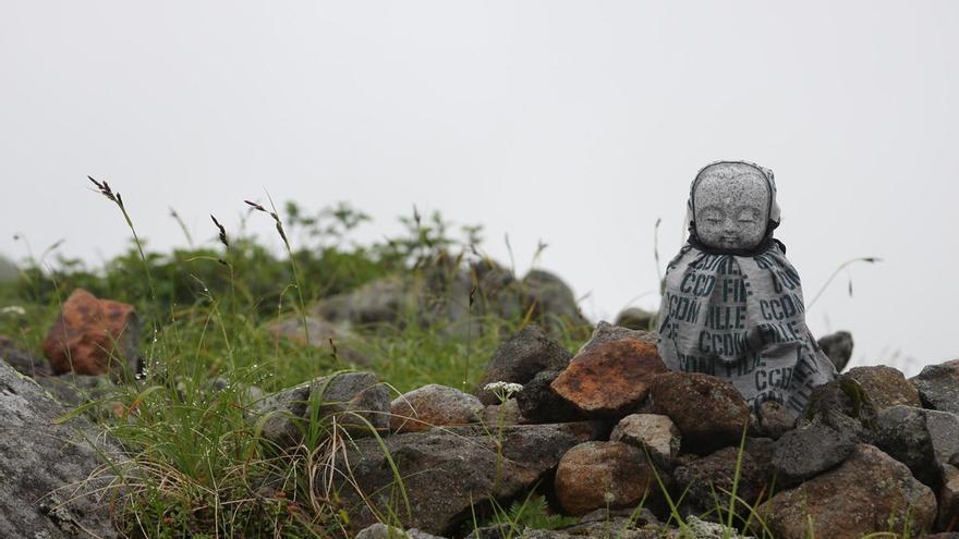 Estatuilla en uno de los muchos adoratorios que jalonan la subida al Ontoke. Nikita