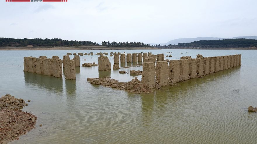 Pueblo balneario 'La Isabela' en el pantano de Buendía