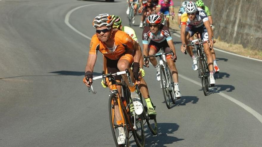 """Euskaltel dice que no era sostenible mantener el equipo ciclista sin colaboración pública y actuó """"por responsabilidad"""""""