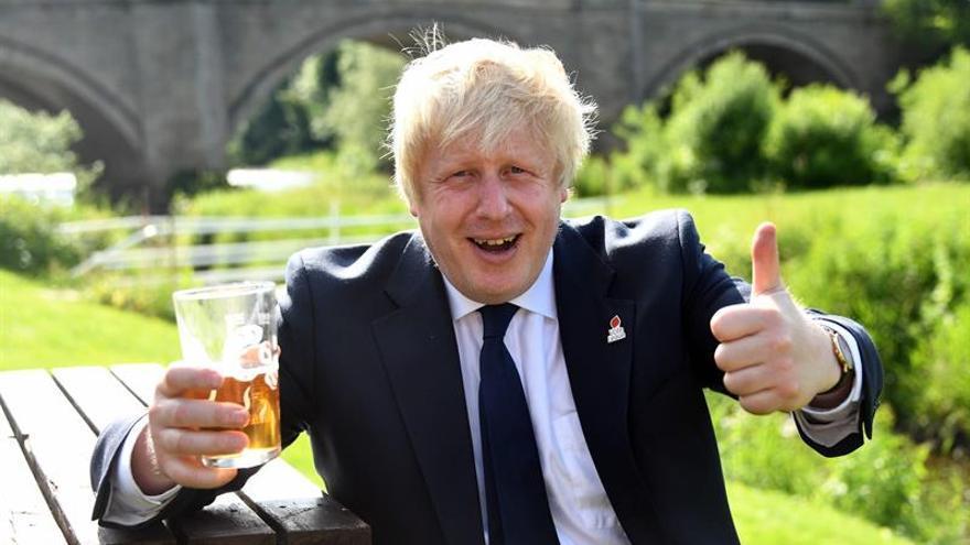 """Los """"tories"""" británicos buscan candidatos para evitar que Boris Johnson sea líder"""