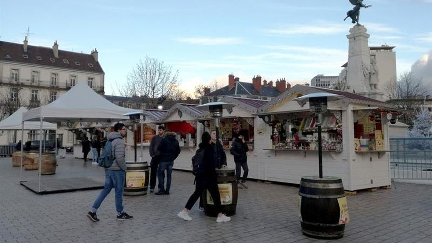 los chalecos amarillos frenan la recuperación del turismo en francia