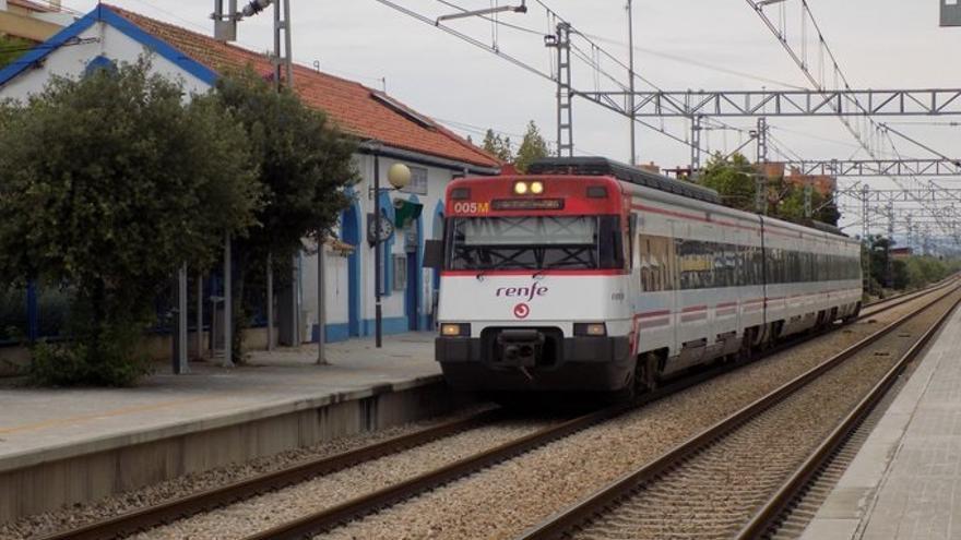 Un tren de Cercanías en la Comunitat Valenciana.
