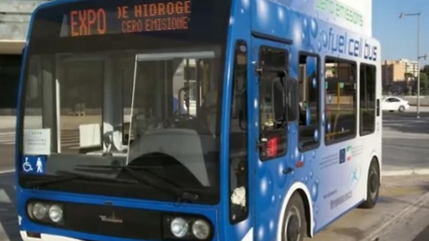 Son autobuses impulsados por hidrógeno que se usaron en la Expo de Zaragoza 2008