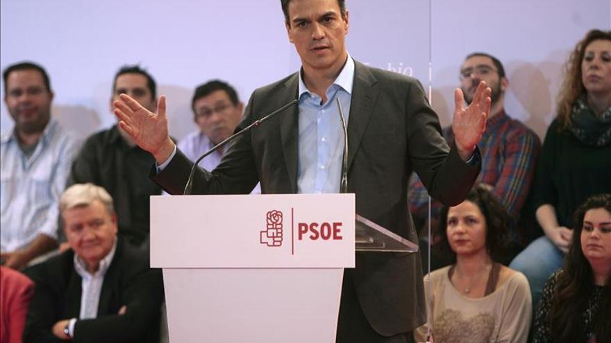 Rajoy, Sánchez y Rivera apoyan una campaña por los derechos de las niñas