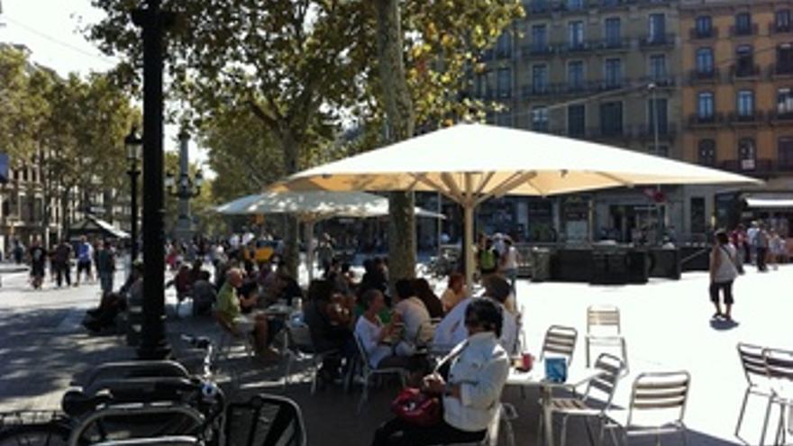 Terraza En La Plaza Catalunya De Barcelona