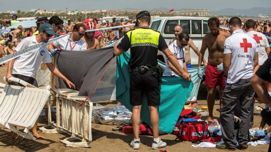 Hallan el cadáver del joven desaparecido en una playa de Valencia