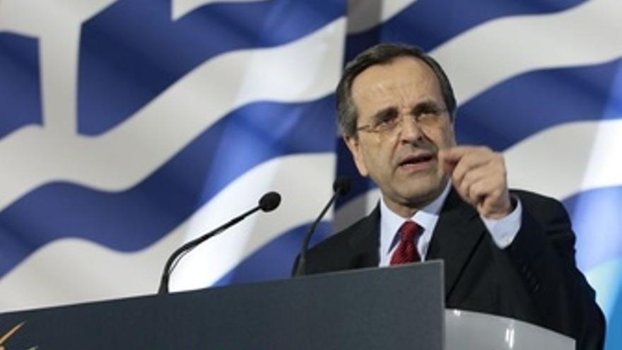 Grecia delega en Samaras el reto de seguir en el euro
