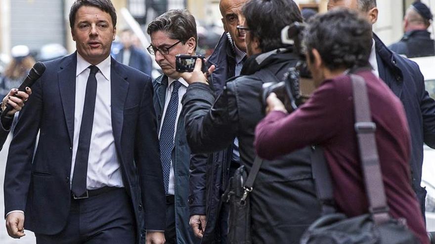 """Renzi: """"Yo voy con Hillary Clinton"""""""