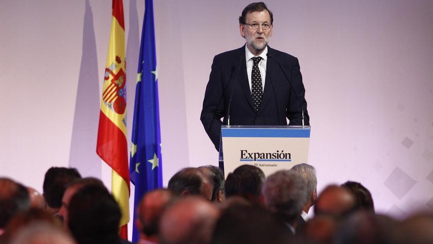 RRHH: Rajoy adelanta al 1 de julio la rebaja del IRPF prevista para 2016