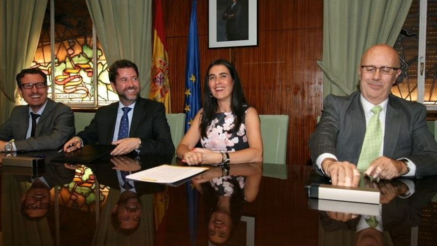 Firma del convenio para la instalación de un radar de la Aemet en el noroeste de Tenerife.