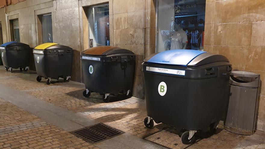 Archivo - Nuevos contenedores de residuos en el Casco Viejo