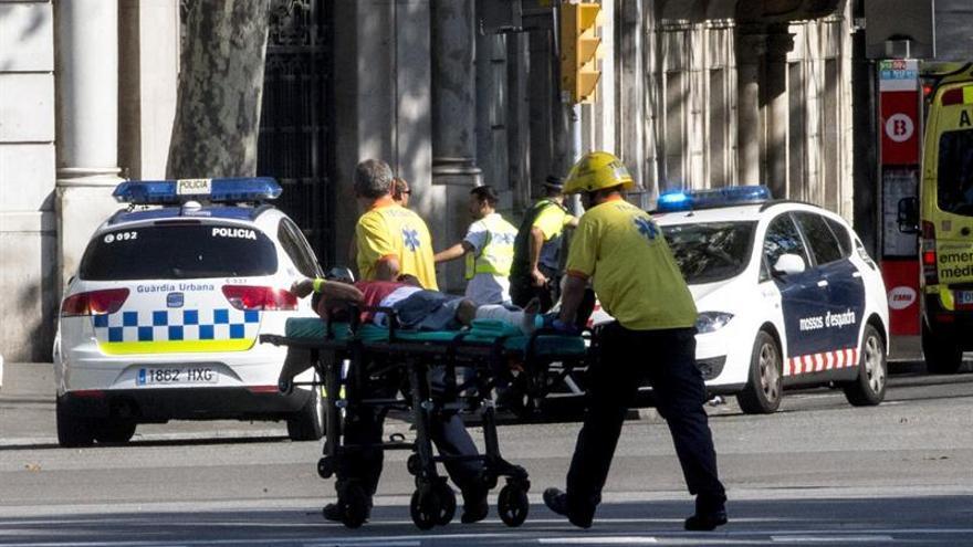 Al menos un muerto y veinte heridos en el atropello masivo de Barcelona