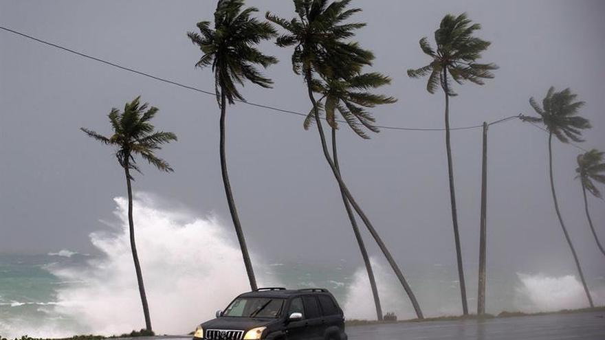 El huracán María golpea a las Islas Turcas y Caicos y Bahamas tras asolar el Caribe