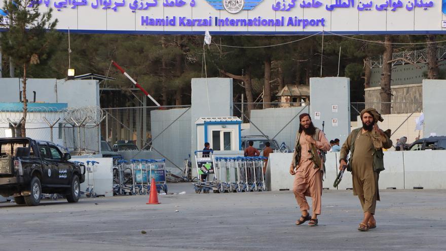 """La embajada de EE.UU. en Kabul avisa de """"amenazas creíbles"""" en el aeropuerto"""