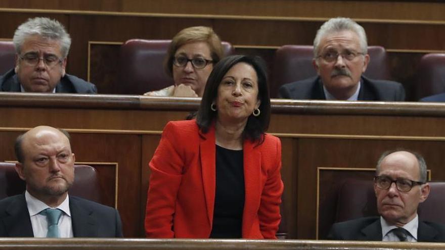 Margarita Robles vota 'no' en la investidura de Mariano Rajoy.