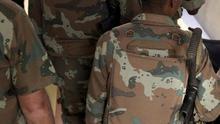El Ejército sudafricano advierte contra el uso de ropa de camuflaje ilegal