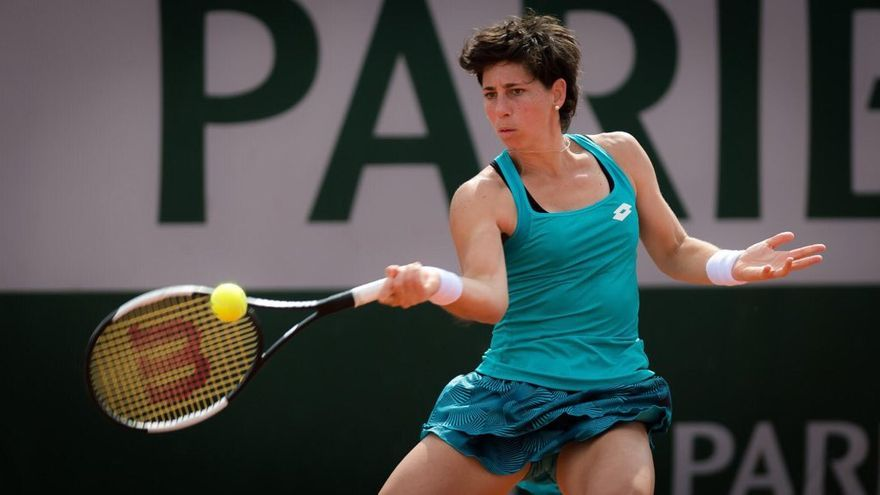 Carla Suárez se impuso en tres sets y pasa a la tercera ronda del Open de Francia