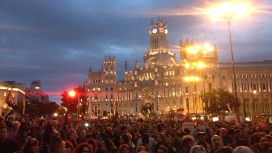 La manifestación a su paso por la plaza de Cibeles. \ Prado Campos