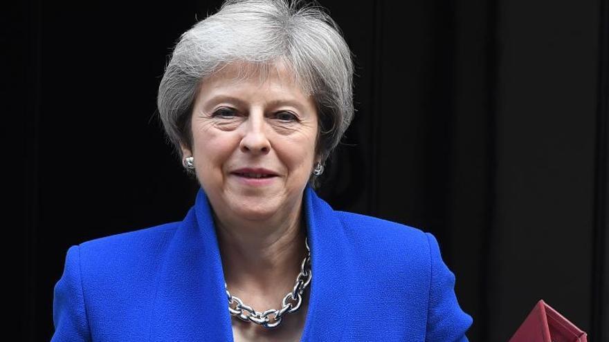 May consigue el apoyo de su Gobierno para el acuerdo del Brexit con Bruselas