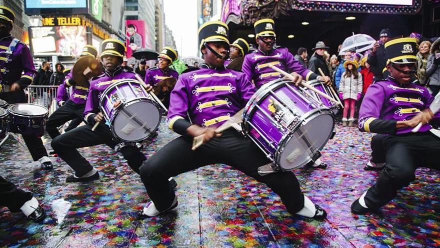 Times Square ensaya la lluvia de confeti que se lanzará en Nochevieja