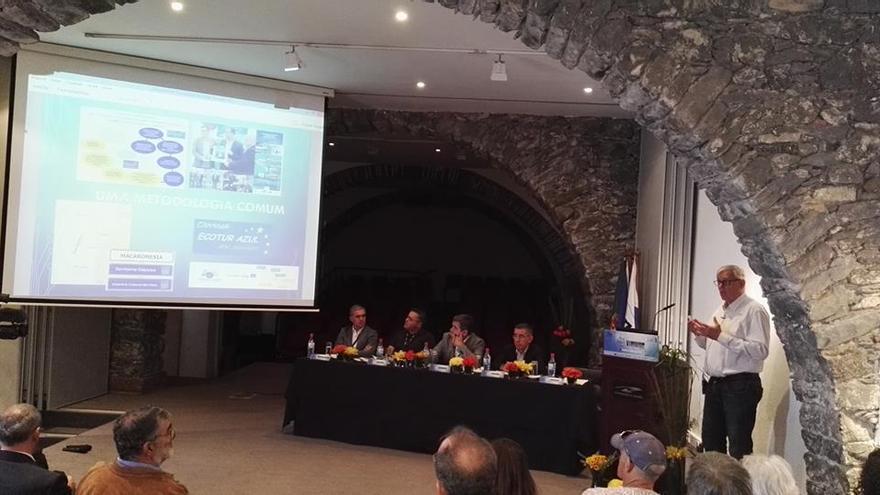 Una de la sesiones de trabajo del programa Ecotur-Azul de turismo náutico celebrado en Funchal (Madeira).