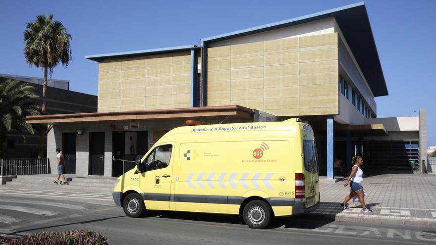 Ambulancia en el Centro de Salud de Arguineguín.