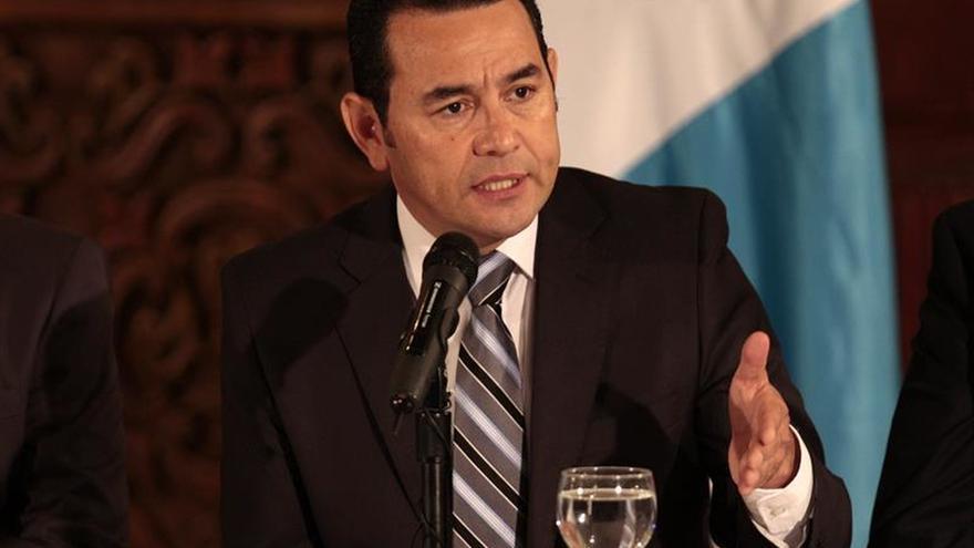 La oposición evalúa un posible antejuicio contra el presidente Jimmy Morales de Guatemala