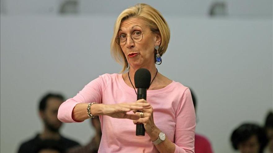 Susana Díaz dice que quien pretenda un cambio de cromos tras el 24M se va a equivocar