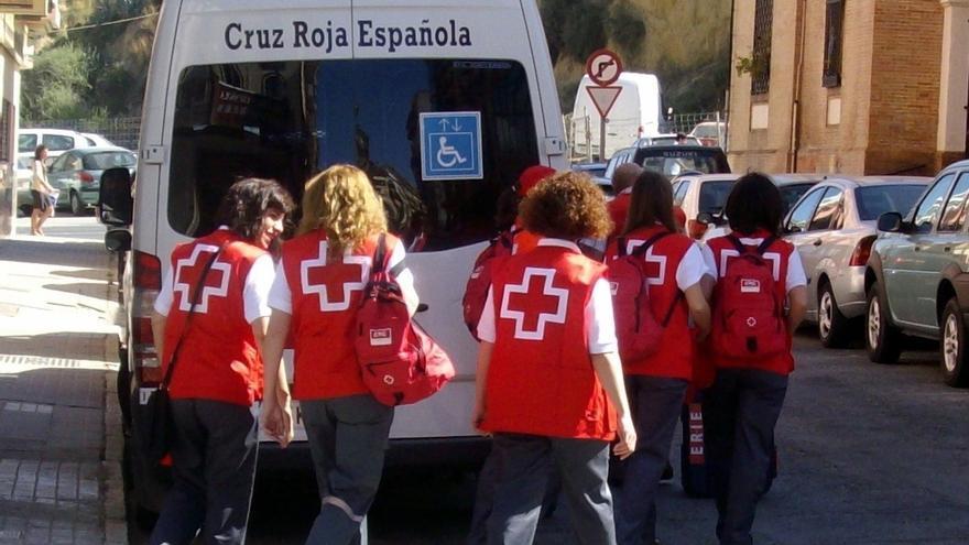 Cruz Roja cifra en 16 los afectados en el incendio en Palos al perder sus pertenencias