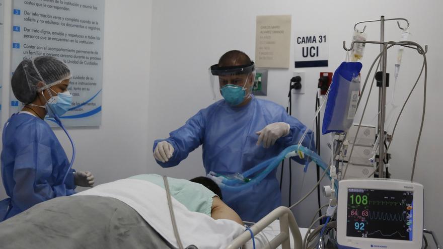 Las cifras de la pandemia siguen bajando en Colombia, que suma 17.532 casos