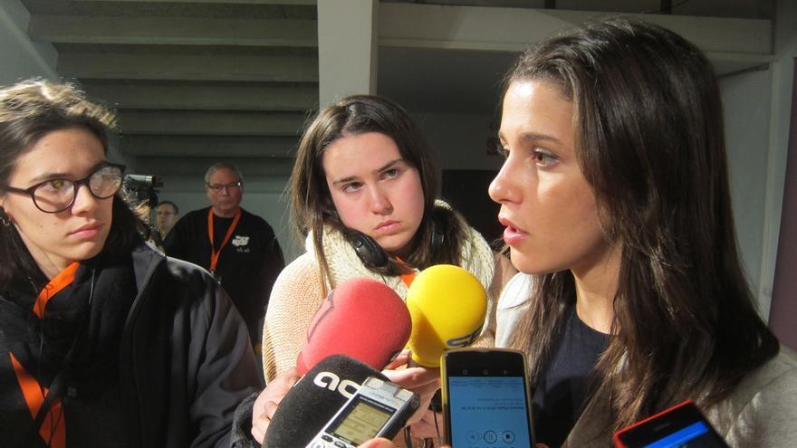 """Arrimadas (C's) condena el ataque a Rajoy: """"Esto es intolerable en democracia"""""""