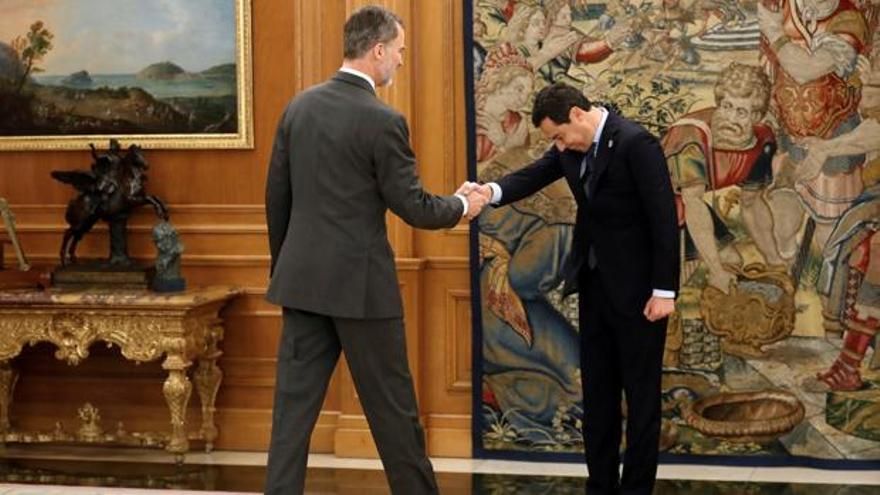 El Rey recibe al presidente de Andalucía en La Zarzuela. EFE.