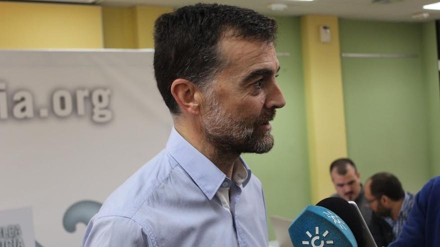 """IULV-CA prioriza el debate """"social"""" en torno a los recortes y la precariedad por encima del debate """"de banderas"""""""