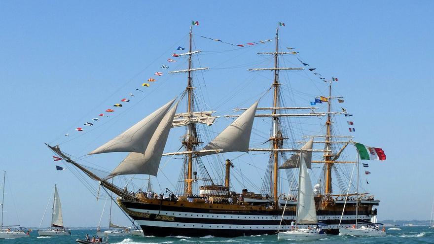 El Américo Vespucio, el velero que cerró la prueba.