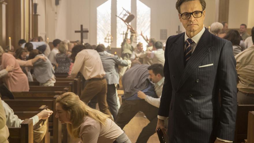 Colin Firth en medio de una matanza en una Iglesia