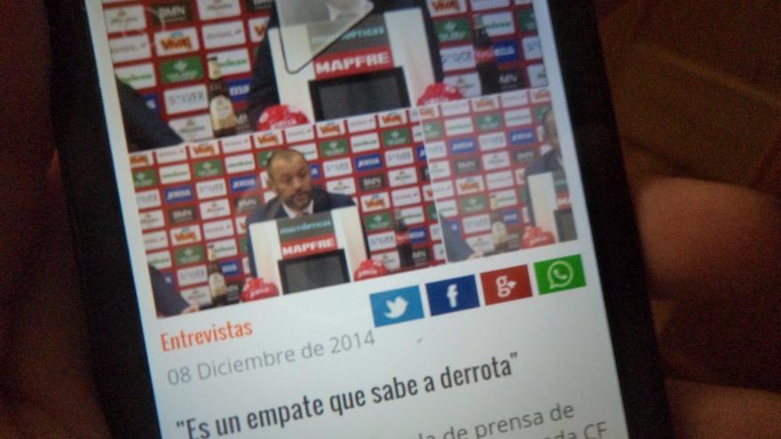 El botón de WhatsApp, en la versión móvil de la web del Valencia C.F