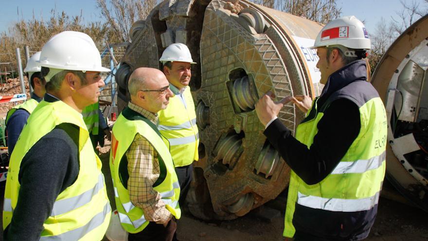 La Emshi, entidad metropolitana que sirve agua en alta a 52 municipios de l'Horta, utilizó una tuneladora para mejorar infraestructuras.