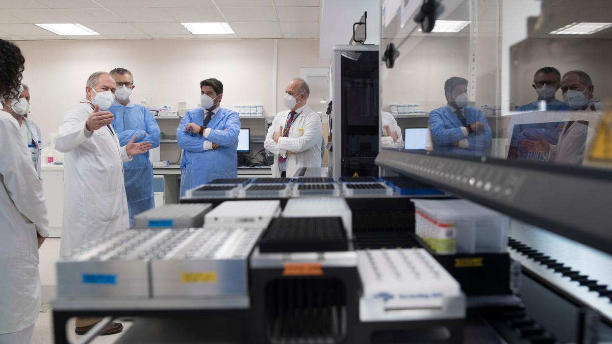 La Región de Murcia ya dispone de un sistema que realizará 6.000 PCR en un solo día