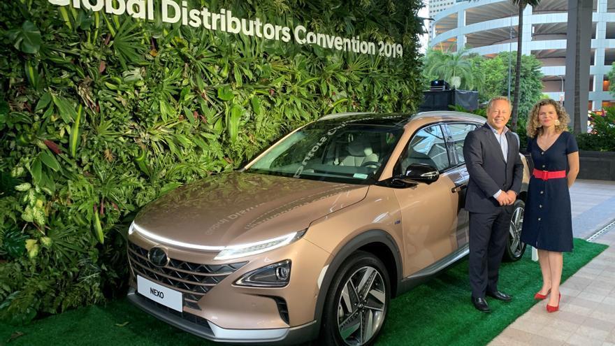 Oliver Alonso, presidente y CEO de Domingo Alonso Group, e Irene Gálvez, CEO de Hyundai Canarias, asistieron a esta importantísima cita