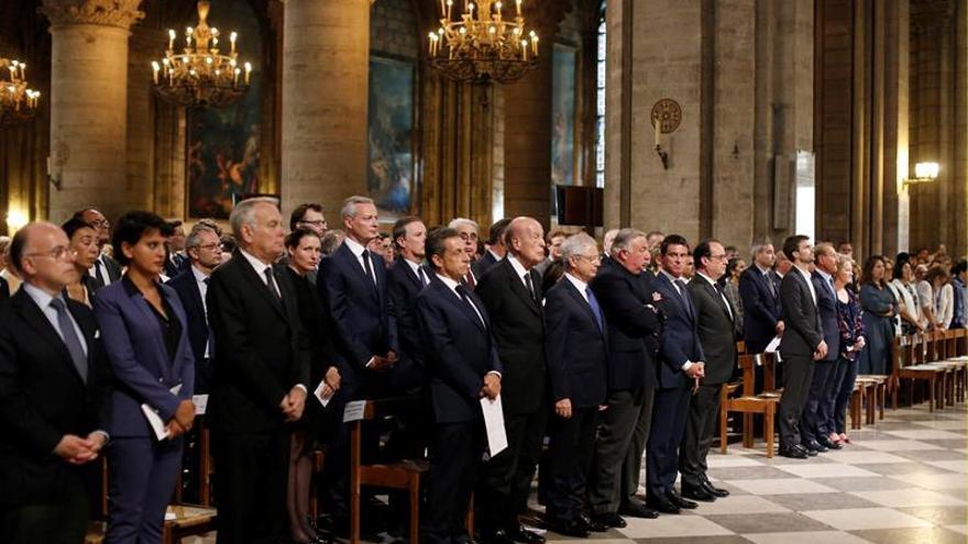 La clase política francesa homenajea en Notre Dame al sacerdote asesinadoROUEN