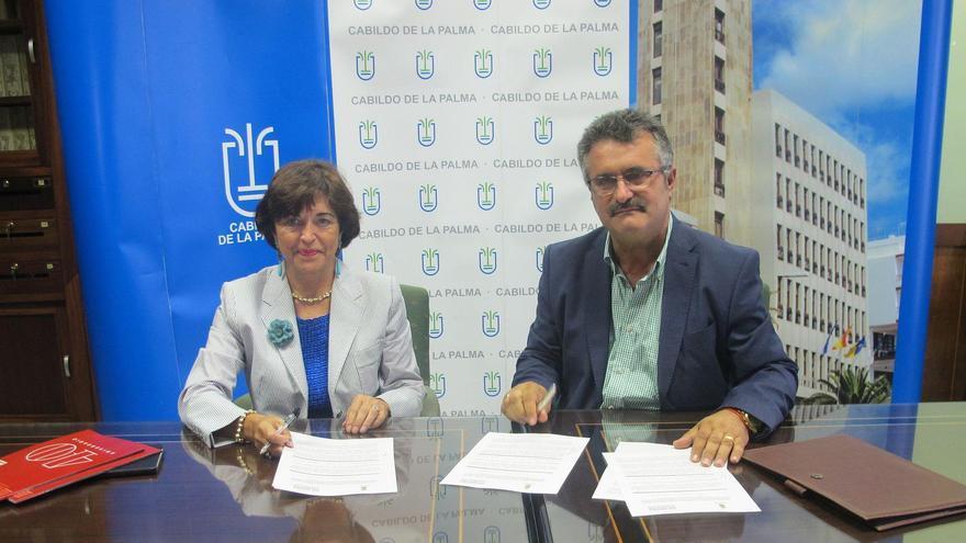 Araceli Pereda, presidenta de Hispania Nostra, y Primitivo Jerónimo, consejero de Cultura y Patrimonio Histórico del Cabildo de La Palma.