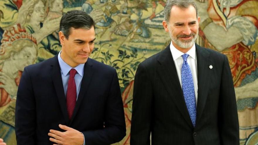 """El rey bromea con Sánchez: """"Ha sido rápido. El dolor viene después"""""""