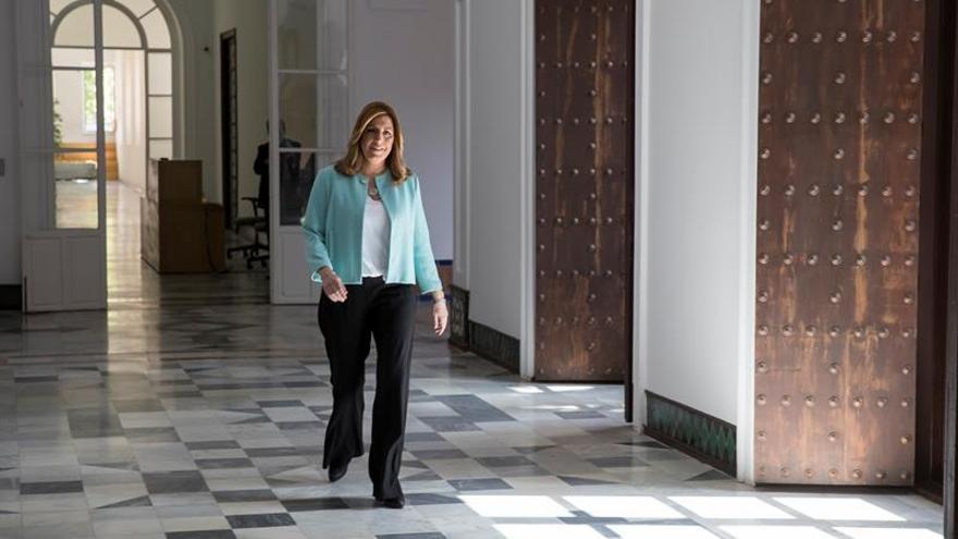 """Díaz reclama una apuesta por Andalucía con una """"mirada justa"""" como hace 25 años"""