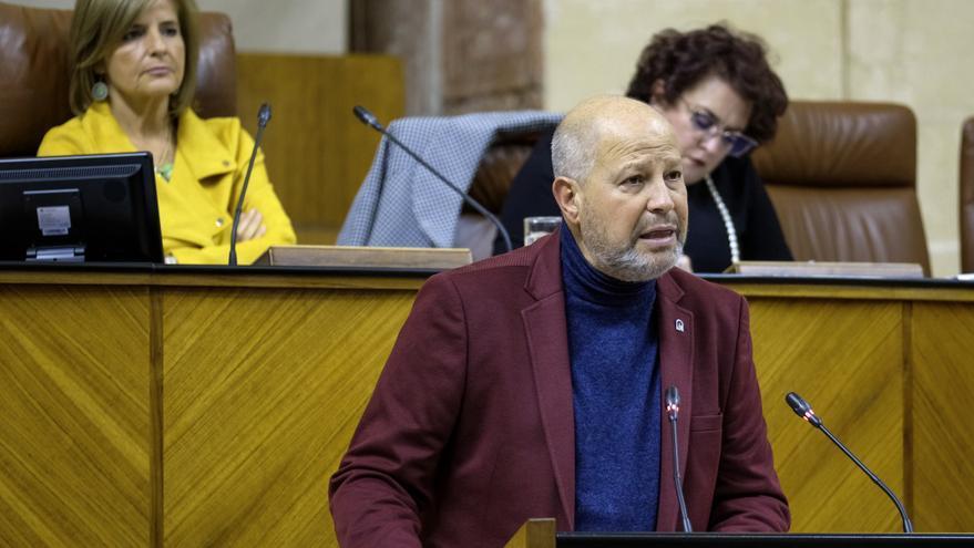 Javier Imbroda, consejero andaluz de Educación, en el Parlamento.