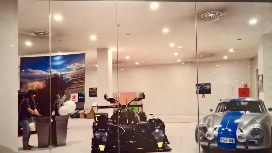 El prototipo de Epsilon que costó 600.000 euros a Hiriko, en la exposición de coches de Echave