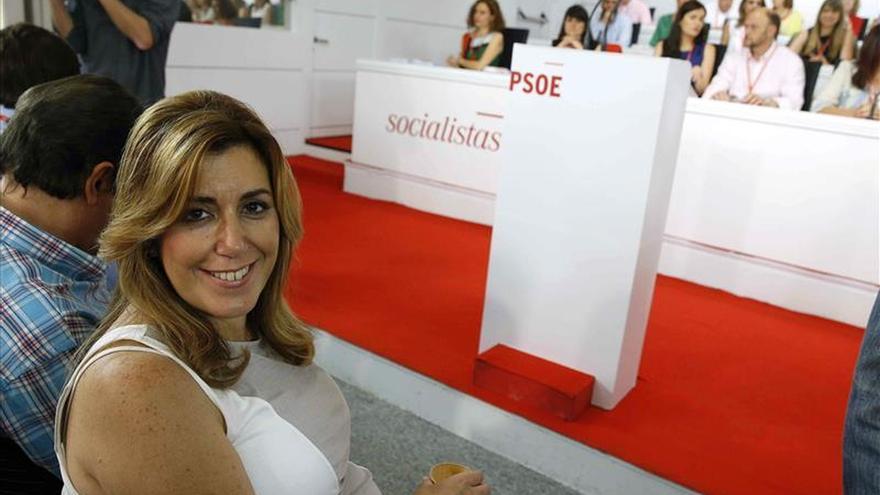 """Susana Díaz pide al PSOE """"mucha prudencia"""" y """"no disfrazarse de lo que no es"""""""