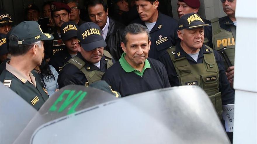 Humala recibe a su familia en prisión para celebrar el cumpleaños de su hijo