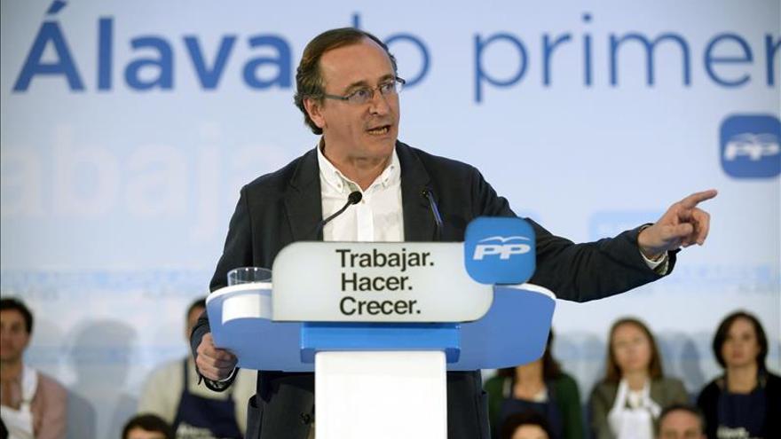 Alonso: Rajoy es el único, el mejor, un candidato fuerte y solvente