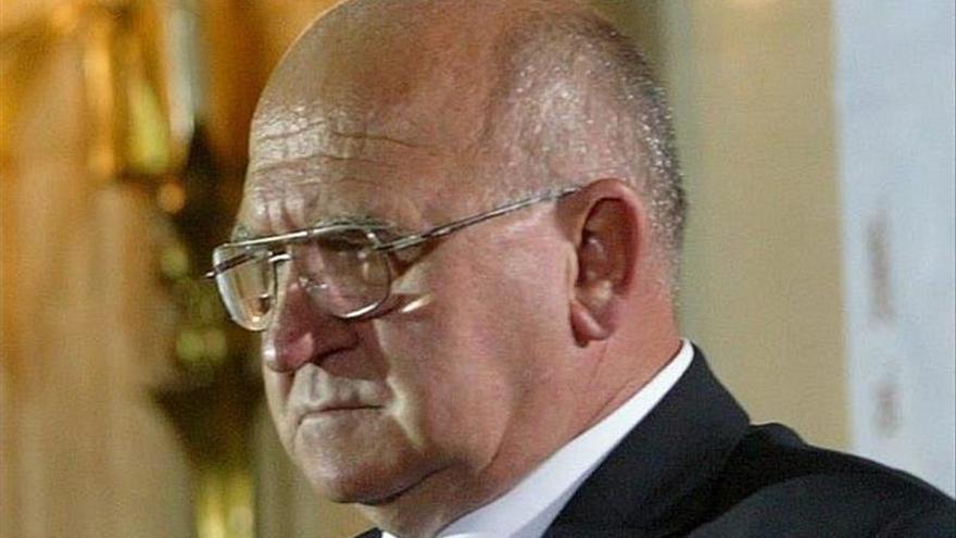 Un excopresidente serbio de Bosnia es acusado de crímenes de guerra